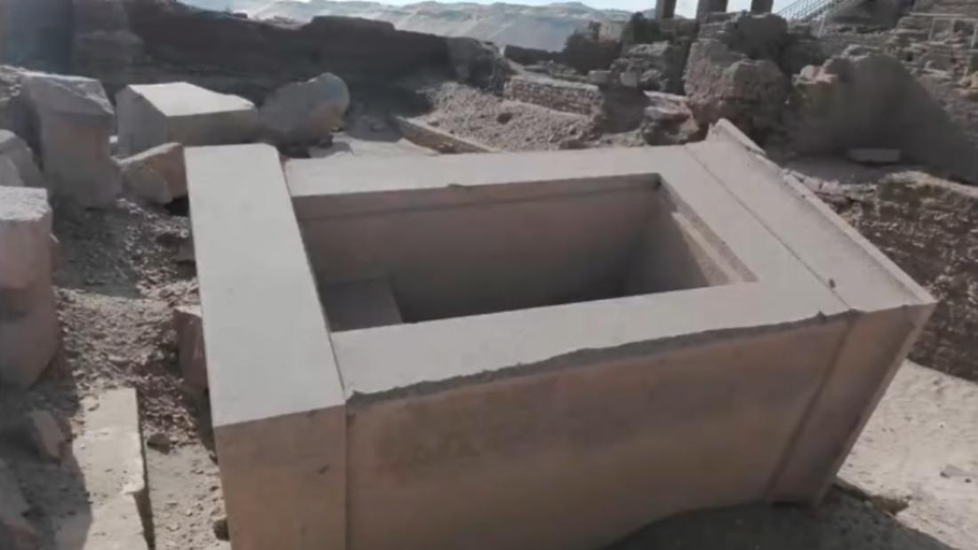 youtube_AncientHistoryCriticisms_ElephantInTheRoom